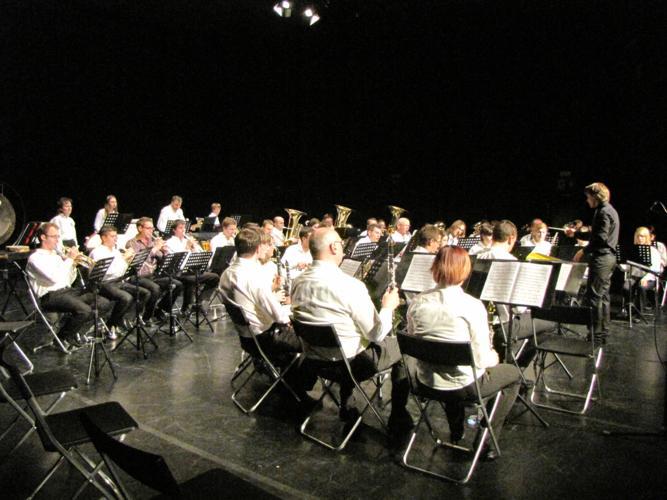 Ogledujete si slike iz kategorije: Abonma pihalnih orkestrov 2010